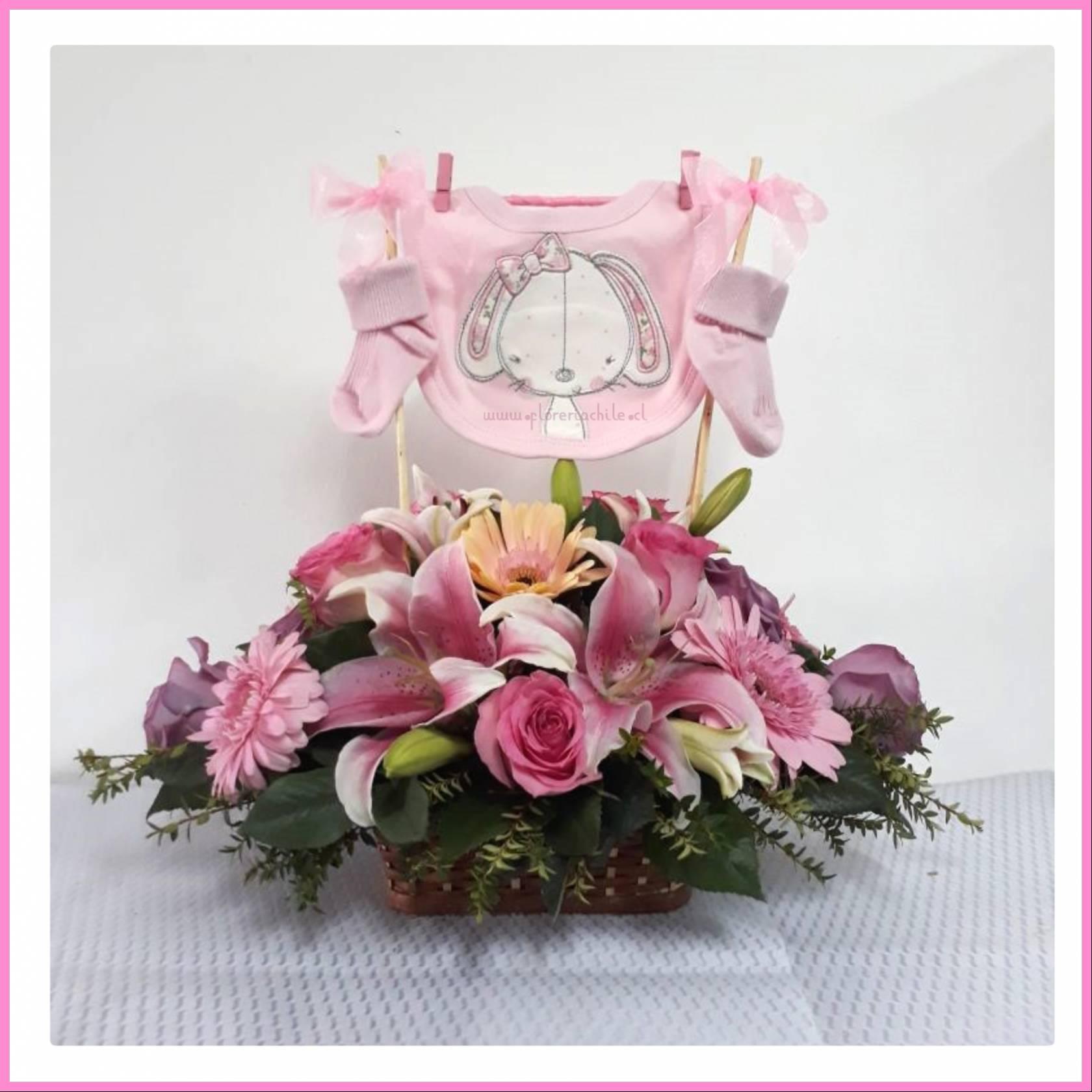 Canasto Con Flores Variadas Accesorios De Bebe